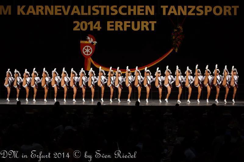 Perfekte Beinreihe des TSV Landau bei der Deutschen Meisterschaft 2014.