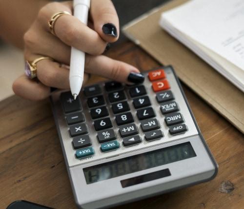 Packt eure Mathe-Skills aus! Berechnung der Zeiteinteilung des Trainings - auch das ein Job der Gardetrainerin.