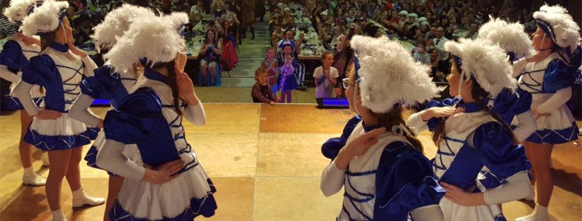 Marschtanzgarde auf der Bühne