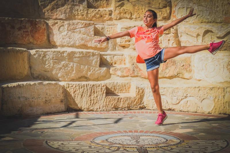 Mit Körperspannung sieht der Tanz leicht und elegant aus.